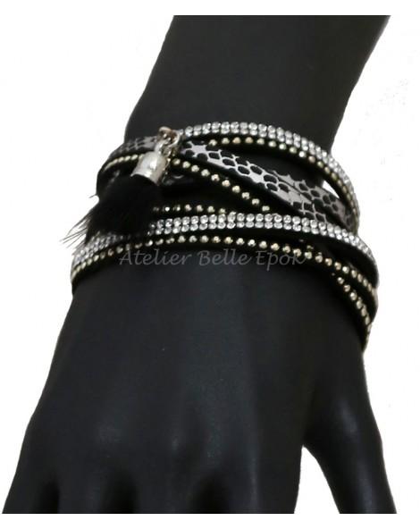 Bracelet multi tours et multi rangs noir pompon